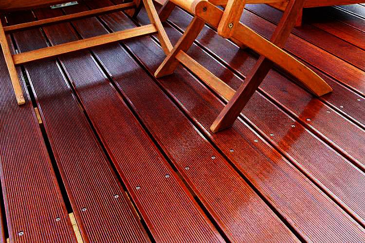 Sehr Bangkirai-Holz pflegen: Terrasse renovieren | hauptsachegarten.de BT32